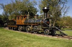 An original 1881 Grant Locomotive and Tender, used in Henry Ford's River Rouge complex in Dearborn, Michigan and later displayed in the Ford Museum at Greenfield Village Train Car, Train Tracks, Train Room, Old Trains, Vintage Trains, Old Steam Train, Steam Engine, Hemi Engine, Old Wagons