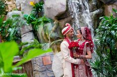 First Look http://www.maharaniweddings.com/gallery/photo/47398 @randeryimagery @nidagazi/my-style