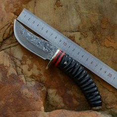 85.00$  Watch now - http://alicjt.worldwells.pw/go.php?t=32706900221 - Collection family Damascus knife natural yellow horn handle copper head in a small straight knife Gift knives