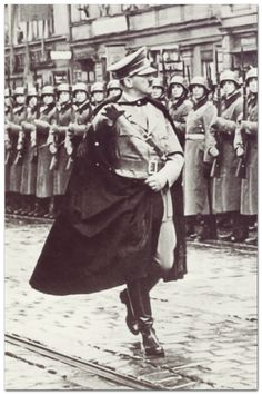 MPOWER/// FÜHRER Hitler's pre-war cape It was all fine and dandy until it got sucked into the engine of an World History, World War Ii, Nazi Propaganda, Total War, The Third Reich, Luftwaffe, Rare Photos, Military History, Historical Photos