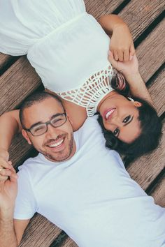 Ideias de foto para o pré-wedding Wedding Couple Poses Photography, Couple Photoshoot Poses, Pre Wedding Photoshoot, Couple Posing, Couple Shoot, Wedding Fotos, Romantic Photos, Photo Poses, Cute Couples