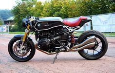 BMW R NINE T - Cafe Racer with unusual tank design