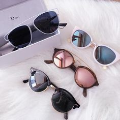 Uploaded by м̃̾ĩм̃̾ĩ ĩŝ ĺŏṽẻ. Find images and videos about fashion, sunglasses and dior on We Heart It - the app to get lost in what you love. Stylish Sunglasses, Ray Ban Sunglasses, Cat Eye Sunglasses, Sunglasses Women, Summer Sunglasses, Dior Eyeglasses, Jewelry Accessories, Fashion Accessories, Sunglass Frames