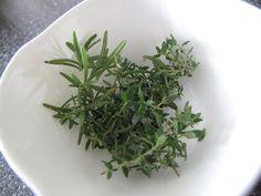 přírodní antibiotiky Herbs, Plants, Food, Essen, Herb, Meals, Plant, Yemek, Eten