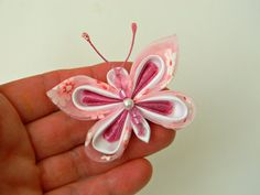 Butterfly Kanzashi Hair Clip Pink White by AllasOriginals on Etsy Satin Ribbon Flowers, Ribbon Art, Ribbon Crafts, Fabric Butterfly, White Butterfly, Bow Art, Kanzashi Tutorial, Flower Types, Baby Hair Clips
