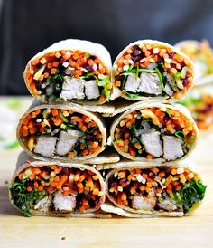 Banh Mi wraps - a fresh and tasty packed lunch option inspired by the popular Vietnamese rolls. Wrap Recipes, Asian Recipes, Ethnic Recipes, Asian Foods, Vietnamese Rolls, Banh Mi Recipe, Healthy Picnic, Healthy Food, Types Of Sandwiches