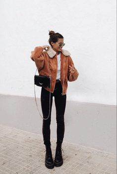 Comfy Winter Brunch Outfits For Girls - Wass Sell Source by wasssellcom Winter fashion Looks Street Style, Looks Style, Winter Chic, Autumn Winter Fashion, Winter Style, Casual Winter Outfits, Fall Outfits, Casual Brunch Outfit, Mode Outfits