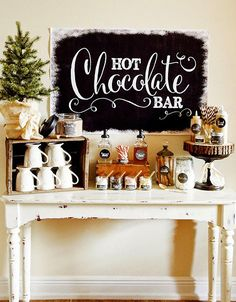 hot chocolate bar Keep warm this holiday season by putting together a simple Hot Cocoa Bar! This full Hot Chocolate Bar Collection has all of the printables Popcorn Bar, Noel Christmas, Rustic Christmas, Christmas Treats, Christmas Signs, Simple Christmas, Stage Patisserie, Holiday Parties, Holiday Fun