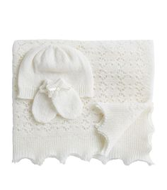 Hurt & Son Cashmere Shawl Gift Set available to buy at Harrods.Shop baby boy years) online and earn Rewards points. Baby Knitting Patterns, Hand Knitting, Designer Brands List, Baby Shawl, Designer Baby Clothes, Cashmere Shawl, Baby Hands, Newborn Baby Gifts, Knitted Shawls