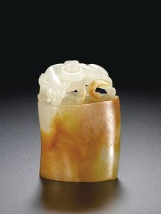 (Qing) A white and russet jade seal. ca century CE. Asian Art Museum, Chinese Ceramics, Ancient China, Minerals And Gemstones, Qing Dynasty, Jade Pendant, Chinese Antiques, Stone Carving, Chinese Art