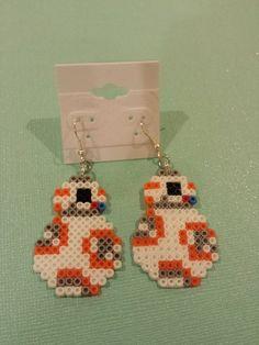 Disneys Star Wars Mini Perler Bead Keychain - Star Wars Rings - Ideas of Star Wars Rings - Easy Perler Bead Patterns, Perler Bead Templates, Diy Perler Beads, Pearler Bead Patterns, Perler Bead Art, Perler Earrings, Star Wars Ring, Perler Bead Disney, Peler Beads