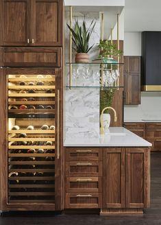 Kitchen Interior, Kitchen Design, Kitchen Decor, Eclectic Kitchen, Kitchen Storage, Build My Own House, Classic Kitchen, Layout, Bars For Home
