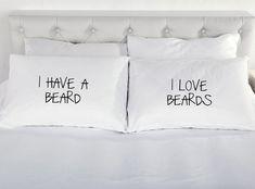Jai une barbe, jaime la barbe taies doreiller  Les taies doreiller sont 76 x 48 cm.  200 fils au pouce 100% coton Excellente qualité  Nous imprimons beaucoup dautres conceptions et idées cadeaux, si vous ne trouvez pas ce que vous cherchez car nous pouvons également concevoir pour vous, faites le nous savoir.  PILLOW42