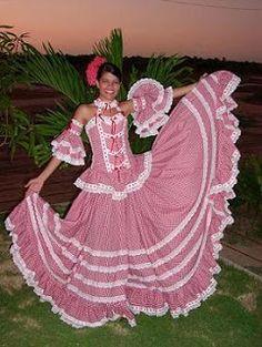 Una recorrida por el mundo y las vestimentas que identifican cada pueblo Folklorico Dresses, Colombian Culture, Authentic Costumes, Culture Day, Flamenco Skirt, America Outfit, Latin Women, Folk Costume, Just Dance