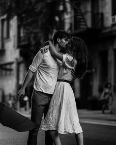 Photography People Poses Sweets 40 Ideas For 2019 Love Couple, Couple Shoot, Couple Goals, Photo New, People Poses, Summer Rain, Cute Couples Goals, Jolie Photo, Cute Relationships