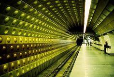 """Vagones """"del amor"""" en el Metro de Praga"""