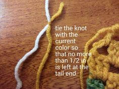 Changing colors with the Double Knot Technique http://twinstitches.blogspot.com/2014/06/changing-colors-with-double-knot.html
