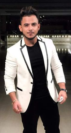 Badshah Rapper, Wedding Kurta For Men, Swag Boys, Designer Suits For Men, Boy Photography Poses, Sherwani, Handsome Boys, Indian Beauty, Dress To Impress