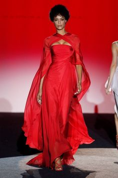 Vogue Paris, Madrid, Hannibal Laguna, Slytherin Aesthetic, Cersei Lannister, Designer Gowns, Anniversary Parties, Fashion Show, Fashion Design
