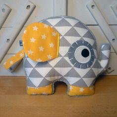 Doudou éléphant gris jaune et blanc - réservé