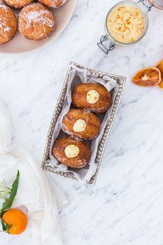 doughtnuts with red orange cream filling Beignets, Fritters, Pretzel Bites, Doughnuts, Muffin, Bread, Orange, Breakfast, Food