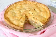 Bake the perfect Easy Apple Pie without any fuss with our quick and simple recipe (make it from scratch or use some of our little shortcuts! Thermomix Desserts, Healthy Desserts, Just Desserts, Delicious Desserts, Dessert Drinks, Dessert Recipes, Bellini Recipe, Homemade Apple Pies, Baking Recipes