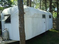 1942 camper/ trailer Classic Trailers, Vintage Campers Trailers, Camper Trailers, Hams, Airstream, Rv, Cottage, Style, Swag
