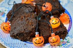 Lancashire Food: Sticky parkin - ideal for halloween or a traditional bonfire night treat Bonfire Night Treats, Parkin Recipes, Yummy Treats, Sweet Treats, Baking Bowl, Cocktail Sticks, Other Recipes, Food Photography, Traditional