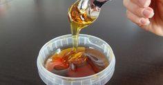 Haarentfernung muss weder schmerzhaft noch teuer sein. Chemiefrei sollte sie sowieso sein! Mit diesem Rezept stellst du Halawa Zuckergel für 0,50 € her!