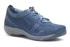 Sport athleisure style in casual sneakers, featuring an elastic lace up with a toggle closure.