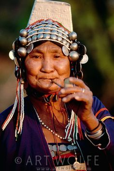 Portrait of Akha woman, Thailand © Art Wolfe We Are The World, People Around The World, Costume Ethnique, Thailand Art, Cultural Diversity, Ethnic Jewelry, Portraits, Pictures Of People, Interesting Faces