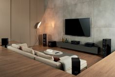 Home Audio 2013 : Richard Small
