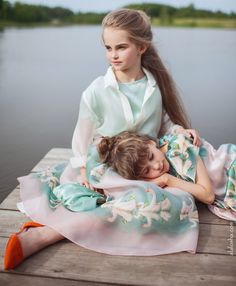 The Aristocrat Kids introduces three new signature sprints  – marshmallow stripe, the Royal Water Lily and Magical Lake, all printed on crepe satin, organza, georgette and cotton satin.