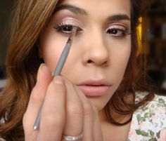 Cover Eye Lash Glue with this trick! \\ www.livelearnluxeit.com