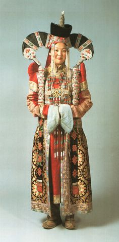 Halh married woman's outfit. #Mongolia. Late 19th-early 20th Century.