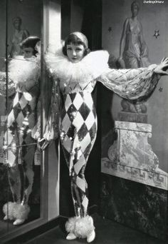 The best harlequin costume I've seen!