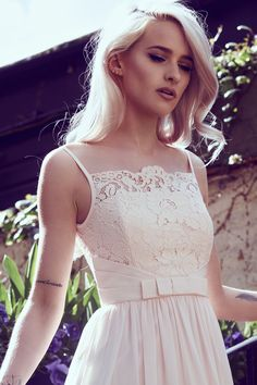 How romantic is this amazing shoot? See more over on the new www.inthefrow.com now!