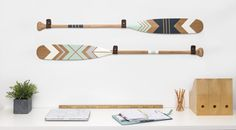 Ropes and Wood Chambre Nolan, Painted Oars, Chalk Paint Projects, Attic Remodel, Diy Painting, Artsy Fartsy, Canoe Paddles, Kids Room, Decoration
