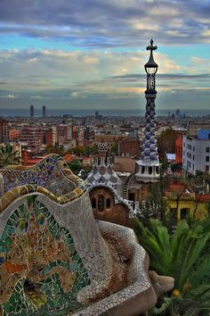 Having sat on a ceramic lizard at Park Guell in Barcelona I remember this place!! <3