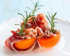 Gebackene Pfirsiche mit Prosciutto und Mascarponefüllung macht Lust auf mehr. #vorspeise #pfirsich #mascarpone