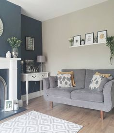 Modern living room painted in Farrow Ball 'Railings' and 'Hardwick White'. Room Wall Colors, Living Room Decor Colors, Living Room Color Schemes, Front Room Decor, Colourful Living Room, Living Room Designs, Modern Living Room Paint, Living Room Grey, Home Living Room