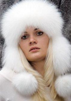 Меховая шапка ушанка: как сшить? Fur Clothing, Fur Accessories, Arctic Fox, Fur Fashion, Fox Fur, Cool Pictures, Fur Hats, Furs, Beautiful