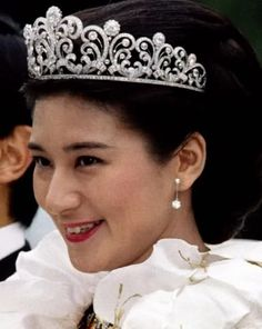 Royal Jewels of the World Message Board: how many tiaras can be counted in Japan for the royal family