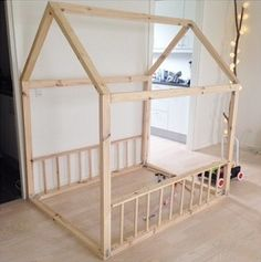 I just build this wooden playhouse to my son. I'm not really a handy woman, but this type of DIY is kind of fun.