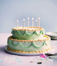 Pistachio, strawberry and mascarpone cake. Pretty Birthday Cakes, Pretty Cakes, Cute Cakes, Beautiful Cakes, Amazing Cakes, Sweet Cakes, Pistachio Cake, Let Them Eat Cake, Cookies Et Biscuits