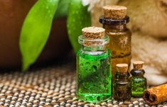 5. Mix Castor Oil With Tea Tree Oil #DailyFaceCare Tea Tree Oil Uses, Tea Tree Oil For Acne, Home Remedies For Hair, Hair Remedies, Acne Remedies, Natural Remedies, Acne Treatment, Essential Oil Starter Kit, Hair Growth