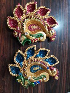 Diya Decoration Ideas, Diy Diwali Decorations, Diwali Diya, Making Ideas, Diy Gifts, Cute Pictures, Handmade Items, Brooch, Hand Painted