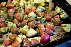Low FODMAP recipe from The Simple Dietitian! Minus the garlic. Fodmap Recipes, Diet Recipes, Cooking Recipes, Healthy Recipes, Fodmap Diet, Low Fodmap, Fodmap Foods, Gluton Free Meals, Red Potato Recipes
