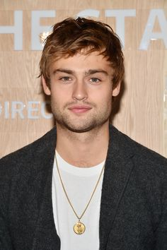 Loving Vincent's Douglas Booth On The First Painted Film - And On Being More Than A Pretty Face