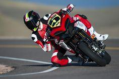 Super fast bike riding on highway.इस बाइक की स्पीड देख क. Ducati Multistrada 1200, Honda, Moto Ducati, Bell Helmet, Moto Cafe, Bmw, Pikes Peak, Sportbikes, Bike Life